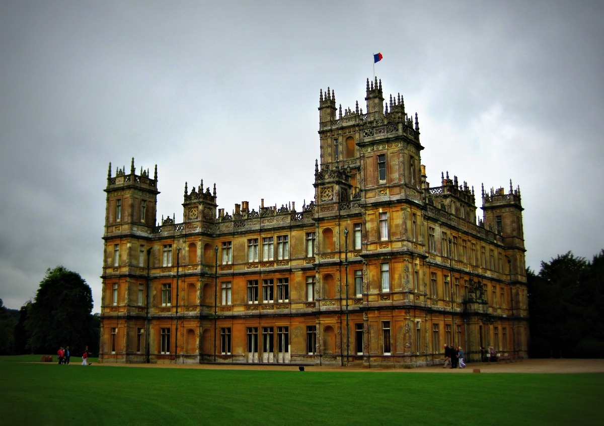 day out downton abbey crumpets in camelot. Black Bedroom Furniture Sets. Home Design Ideas