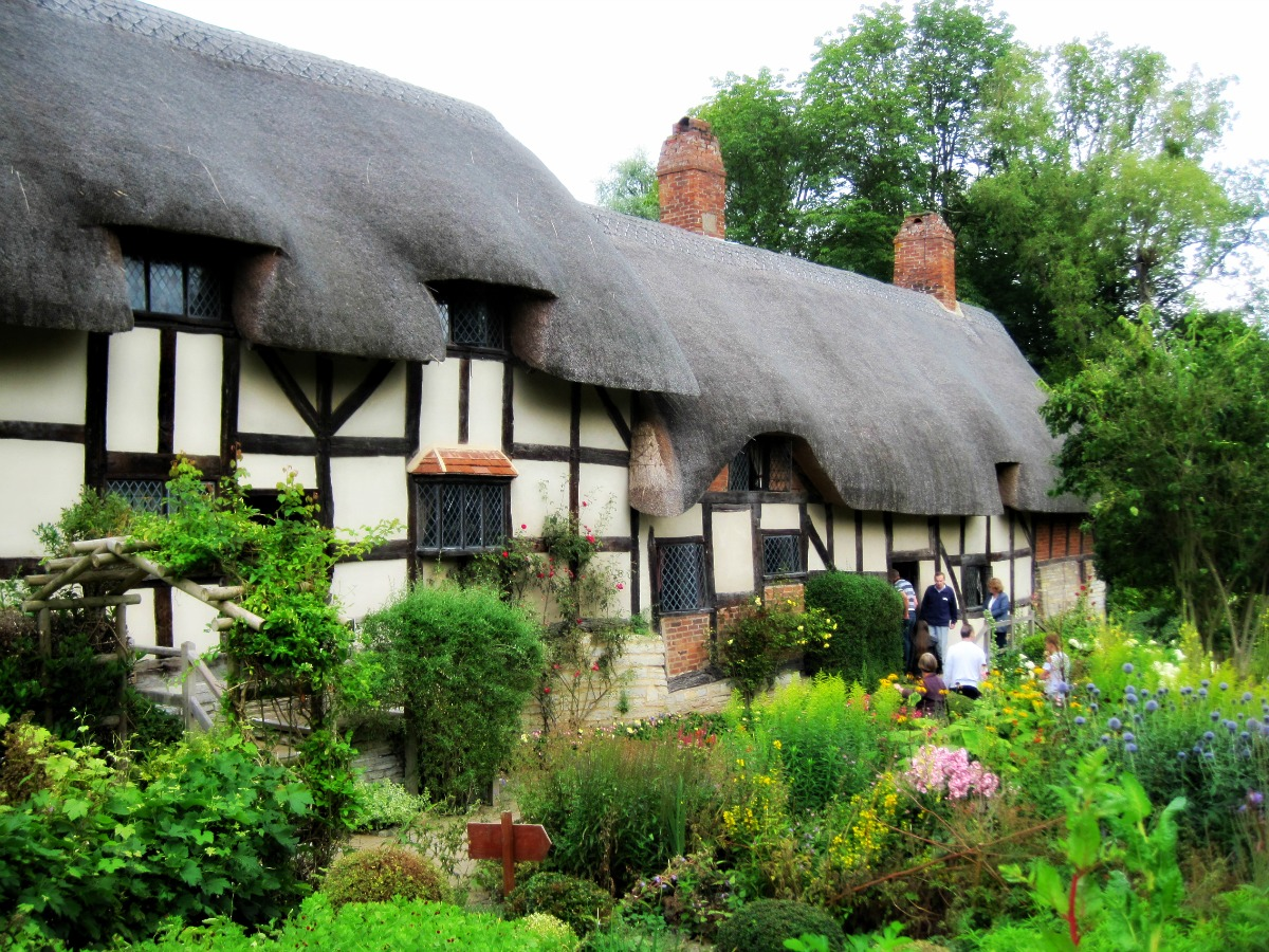 Day out: Anne Hathaway... Anne Hathaway S Cottage